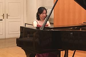 尾崎未空 ウィーン国立音楽大学のフランツ・リスト・ホールで演奏!