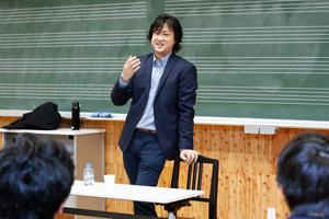 ケルン放送交響楽団 ヴィオラ首席奏者・村上淳一郎による「TDK Rising Starsレクチャー」を開催
