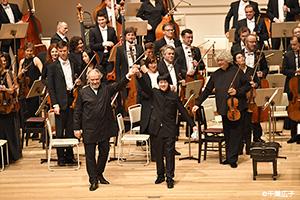 藤田真央 ゲルギエフ指揮 マリインスキー歌劇場管弦楽団との東京デビューに拍手喝采!