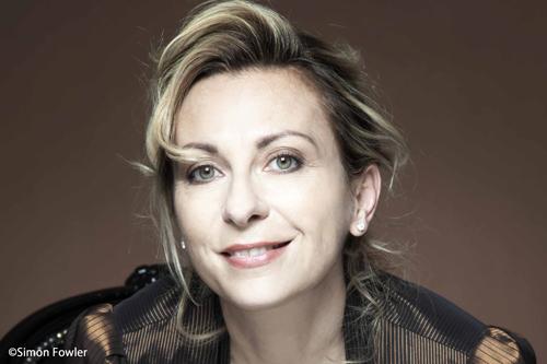 ソプラノのナタリー・デセイがデュエットで参加した「シンデレラ・メドレー」の映像が公開!