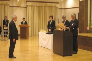 弊社会長の中藤泰雄が「平成24年度文化庁長官表彰」を受けました。