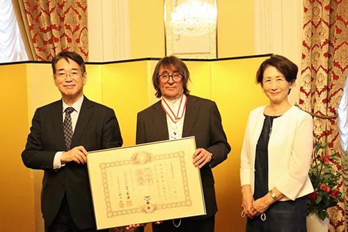 ユーリ・バシュメット 在モスクワ日本大使館にて旭日中授章を叙勲されました。